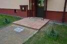 Wejscia do klatek schodowych, parking z azurow_9